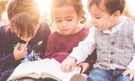Clases sin Cristo, niños sin Cristo