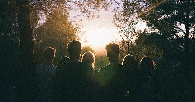 Escogiendo amigos que enciendan tu amor por Dios