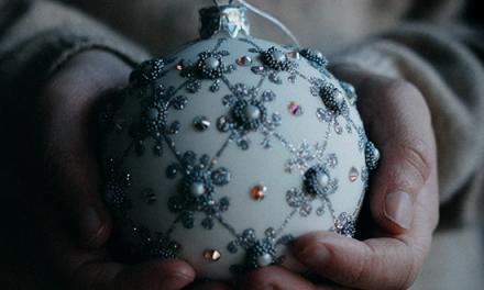 """""""A los que lloran"""": Celebrando la Navidad en medio del dolor"""