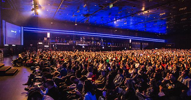 ¿Te gustan más las conferencias que ir a la iglesia?